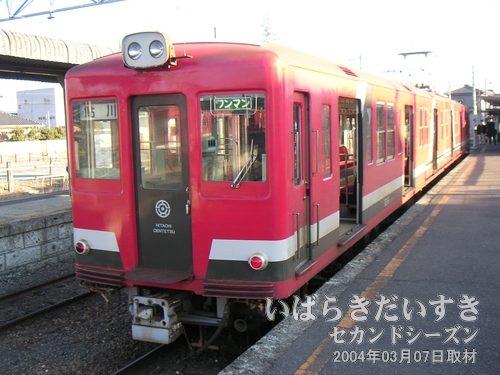 日立電鉄線の車両<br>2両編成の日立電鉄車両。これでもきちんと電化されているんですね~(^^)。