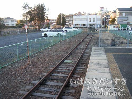 常陸太田駅は盲腸駅<br>線路はどこまでも続いているわけではありません。こういう線路もあるのです。
