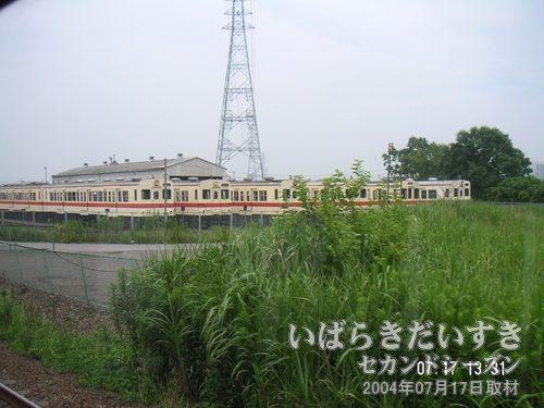 常総線の車両がたくさんあります<br>関東鉄道常総線の車両基地のようです。
