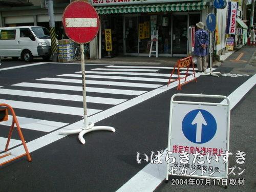 車両進入禁止<br>お祭りストリートは、車両進入禁止となります。