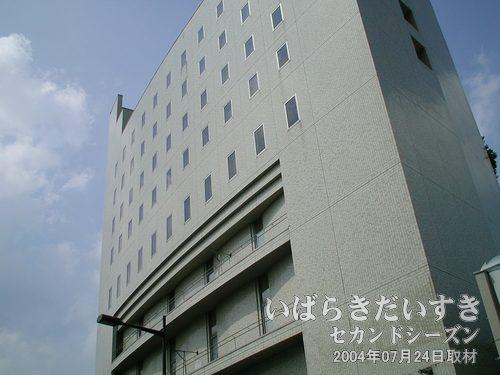 旧・土浦東武ホテル<br>土浦東武ホテル跡には、学習塾と老人ホームが入る、との噂があります。