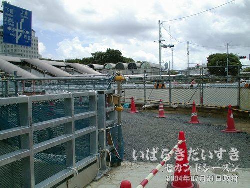 つくば駅見学会を終了します<br>なかなか見ることのできない、完成前の駅を見ることができました。