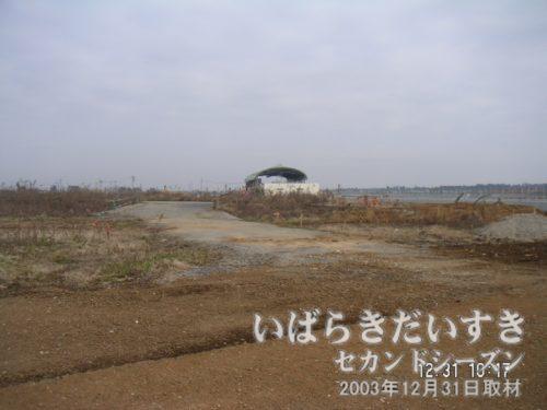 つくばエクスプレス開業前の、みらい平駅周辺<br>2003年当時、みらい平駅周辺はまったくの更地でした。
