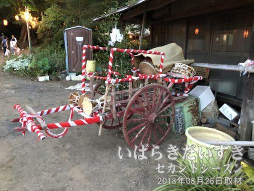 お祭り仕様に飾られた引き車。