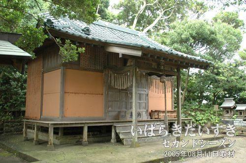 天妃姫・弟橘媛・雄都嘉神社<br>「弟橘媛神社]の石がある入口から軽く登山してくると拝殿があります。