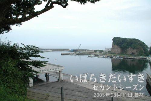 八幡神社 高台から平潟港を望む