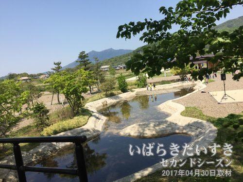 整備事業も一段落した、小田城跡歴史ひろば<br>保存整備事業にて2016年、中世の小田城を復元した「小田城跡歴史ひろば」として公開されています。