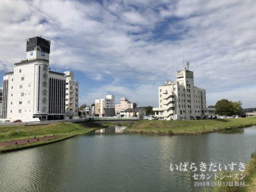 桜川沿いを千波湖方面へ歩く