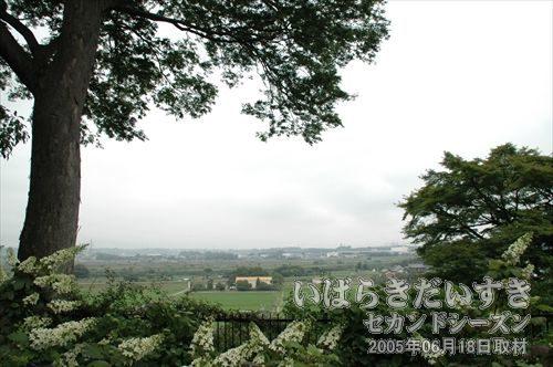 茨城百景(包括風景) 烈公御涼所<br>白幡山から那珂川が見えます。