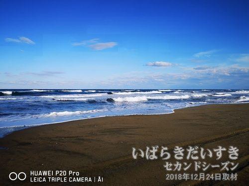 鹿島の砂丘<br>写真は波崎地区の海岸線。