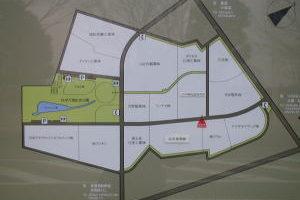 緑色の部分が現在、万博記念公園として残されています。万博時にDブロックと呼ばれていました。