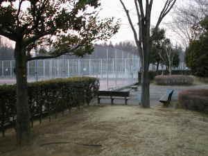 SONYジャンボトロンがあったテニスコートこの日は誰も利用していませんでした。