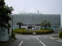 牛久市役所に訪問しました。耐震補強の工事中です。<br>2001年06月11日訪問
