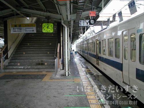常磐線 いわき駅 到着<br>時間はまだ、12時を回ったところ。ホテルのチェックインにも早すぎる。