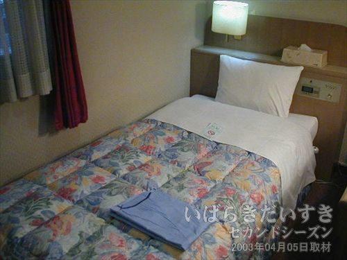 シングルベッド<br>浴衣ではなくパジャマが用意されています。