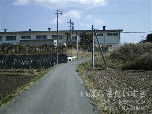 楢葉北小学校<br>この界隈でめだつ大きな施設。