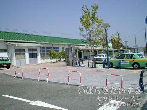 10:39 常磐線 四ツ倉駅(東口)<br>四ツ倉駅に到着。前回の悪天候とは打って変わって良い天気です。