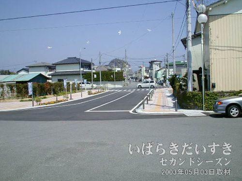 久ノ浜駅前<br>さて、久ノ浜駅前から再び北上していきます。