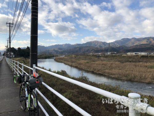 久慈川と阿武隈山地。