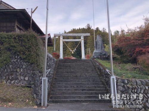 近津神社 上野宮 鳥居。