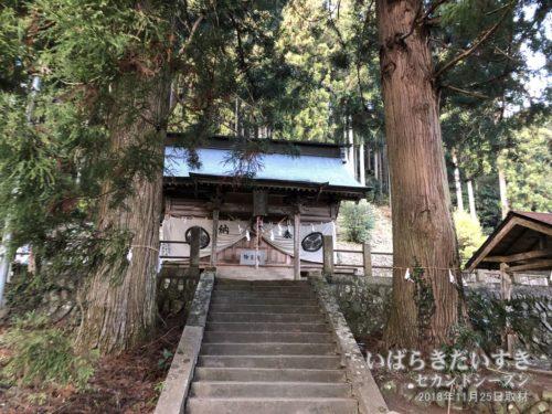 近津神社 上野宮 拝殿。