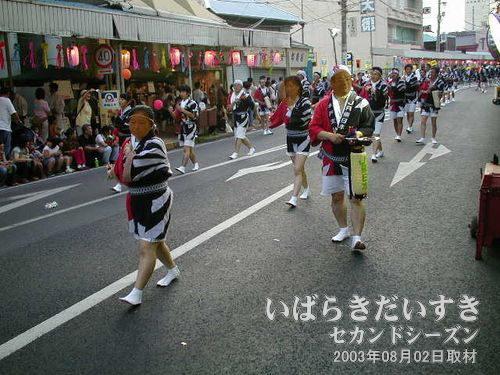 JR土浦連<br>ちょっとまとまりのない踊りですな~。