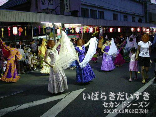 星のフラメンコ連<br>去年も輝いていましたが、今年もフラメンコな踊りで輝いています。