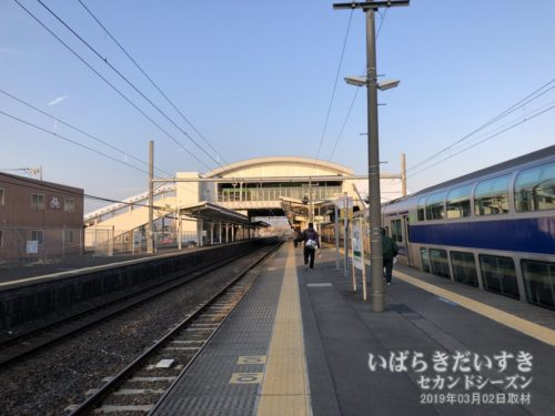 常磐線 神立駅ホーム。
