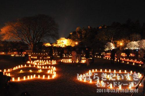 夜梅祭<br>キャンドルライトが、夜の偕楽園をやさしく包みます。
