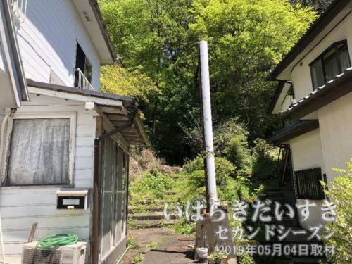 本山 映画館への階段が残る