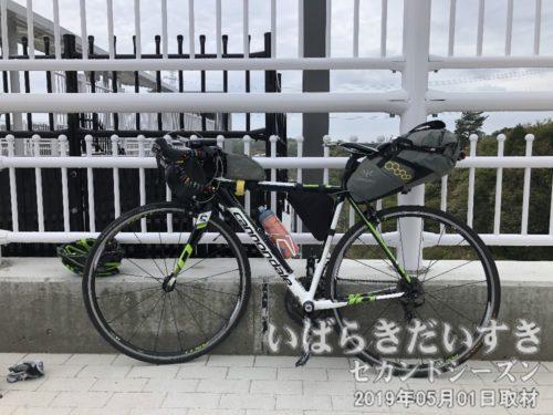 フェードアウト!<br>輪行は自転車をばらすのも時間が掛かりますが、組み立てるのもなれるまで時間が掛かります。