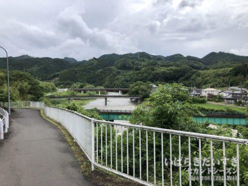 久慈川と第六久慈川橋梁が見える。