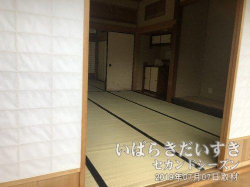 小川家の母屋は、復元されたものです。