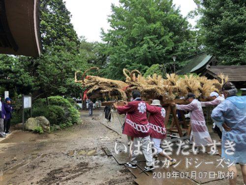 徳満寺本堂前に到着。