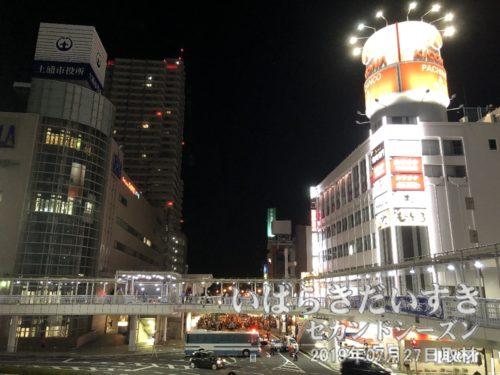 土浦目抜き通りでにぎわう、土浦八坂神社祇園祭を眺めながら、土浦を後にします。
