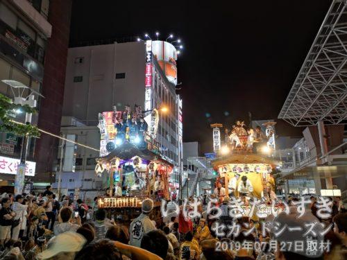 山車の上ので女の子たちが踊るのは、土浦のおまつりでは珍しい光景のような気がします。