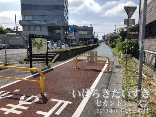 筑波鉄道(廃線)新土浦駅ホーム跡。
