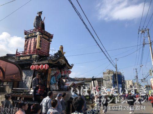 桜町の山車は、土浦市街地を巡行していました。