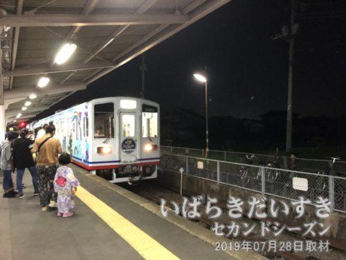 車両が竜ヶ崎駅に入線。