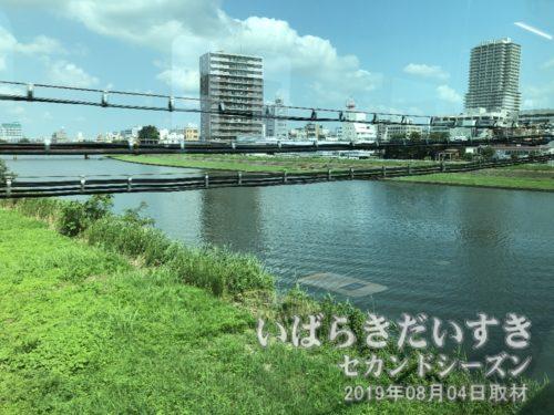 桜川を渡ると、土浦駅に到着。
