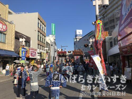 土浦市役所方面に向かいます。