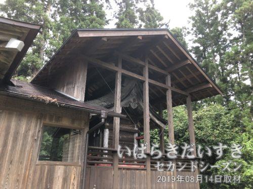 十二所神社 神殿はさや堂。