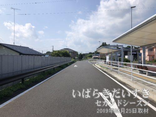 常陸小川駅前から、石岡駅方面を望む。