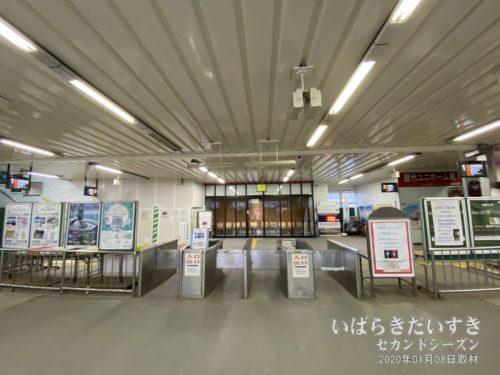 鹿島神宮駅。使用されていない改札口。