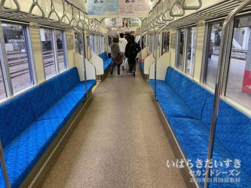 大洗鹿島線 終点 水戸駅。皆下車します。