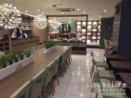 2階エントランス 朝食フロア:スーパーホテル水戸