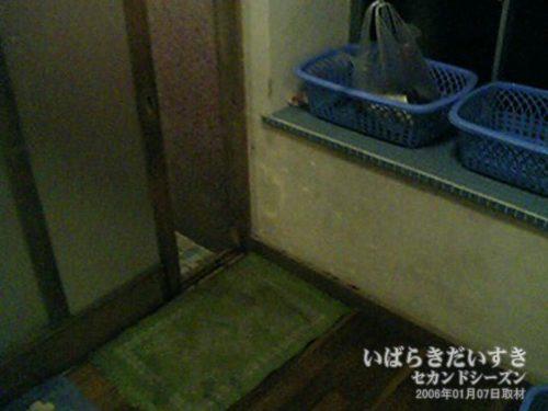 更衣室:吉見屋旅館