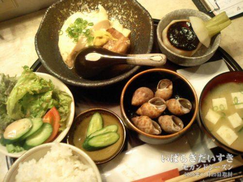 夕食 500円:ホテルアークビジネス(2006年)