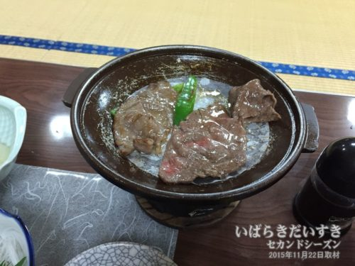 常陸牛の陶板焼き:鈴木屋旅館