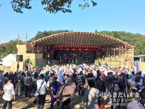 【 西塩子の回り舞台 】<br>常陸大宮市で復活した、西塩子の回り舞台は、2,3年ごとに一度催されます。